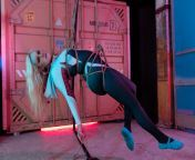 Did a suspension rope shoot for my SpiderGwen cosplay (photo by Con Mom Photography, rope by Azura Rose/me) from only rope xxx